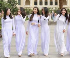 Triết lý giáo dục nhân văn được vận dụng trong đường lối giáo dục Việt Nam