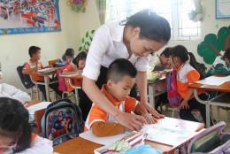 Triển khai chương trình SGK lớp 2, lớp 6 tại xã đảo: Cái khó gắn bó tình người