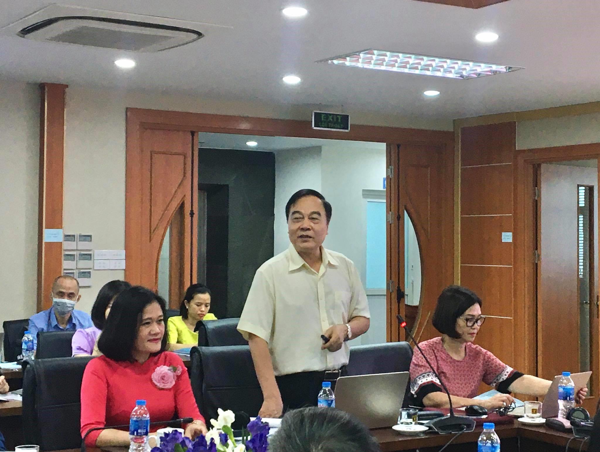Ảnh 2: TS. Nguyễn Hải Hữu - Chủ tịch hội các trường đào tạo CTXH  phát biểu tại hội thảo