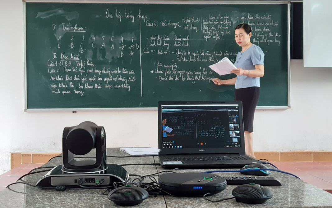 Buổi dạy ôn tập trực tuyến của cô giáo Nguyễn Thị Lan.