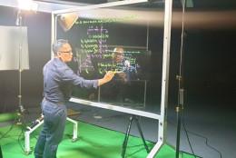 Công nghệ số trong dạy và học: Không gian ảo, chất lượng thật