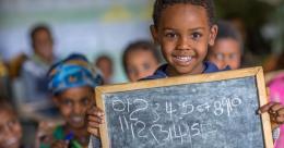 Thông báo nhận đơn đăng kí và đề cử cho Giải thưởng Quốc tế về Xóa mù chữ của UNESCO