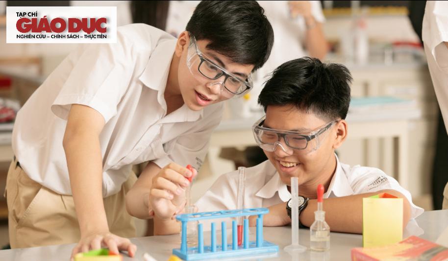 Dạy học theo dự án đối với nội dung Hoá học hữu cơ sử dụng mô hình học tập kết hợp cho học sinh THPT