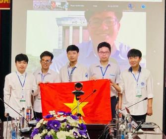 6/6 học sinh Việt Nam đoạt huy chương tại Olympic Toán học quốc tế 2021