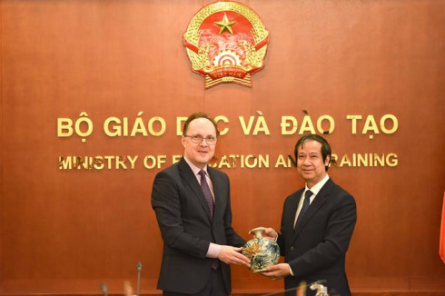 Bộ trưởng Nguyễn Kim Sơn tiếp Đại sứ Liên bang Nga tại Việt Nam