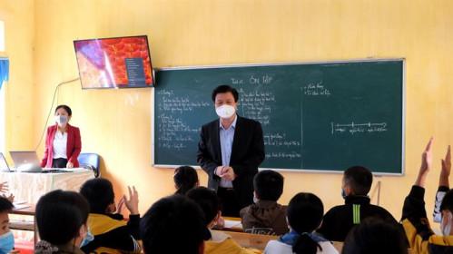 Kiểm tra công tác thực hiện chương trình GDPT tại Tuyên Quang